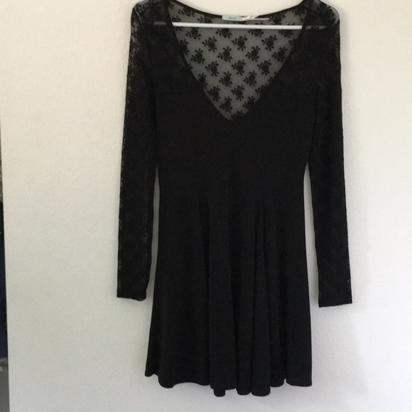 Kimchi Blue Dresses & Skirts - Kimchi Blue Black Laced Dress.